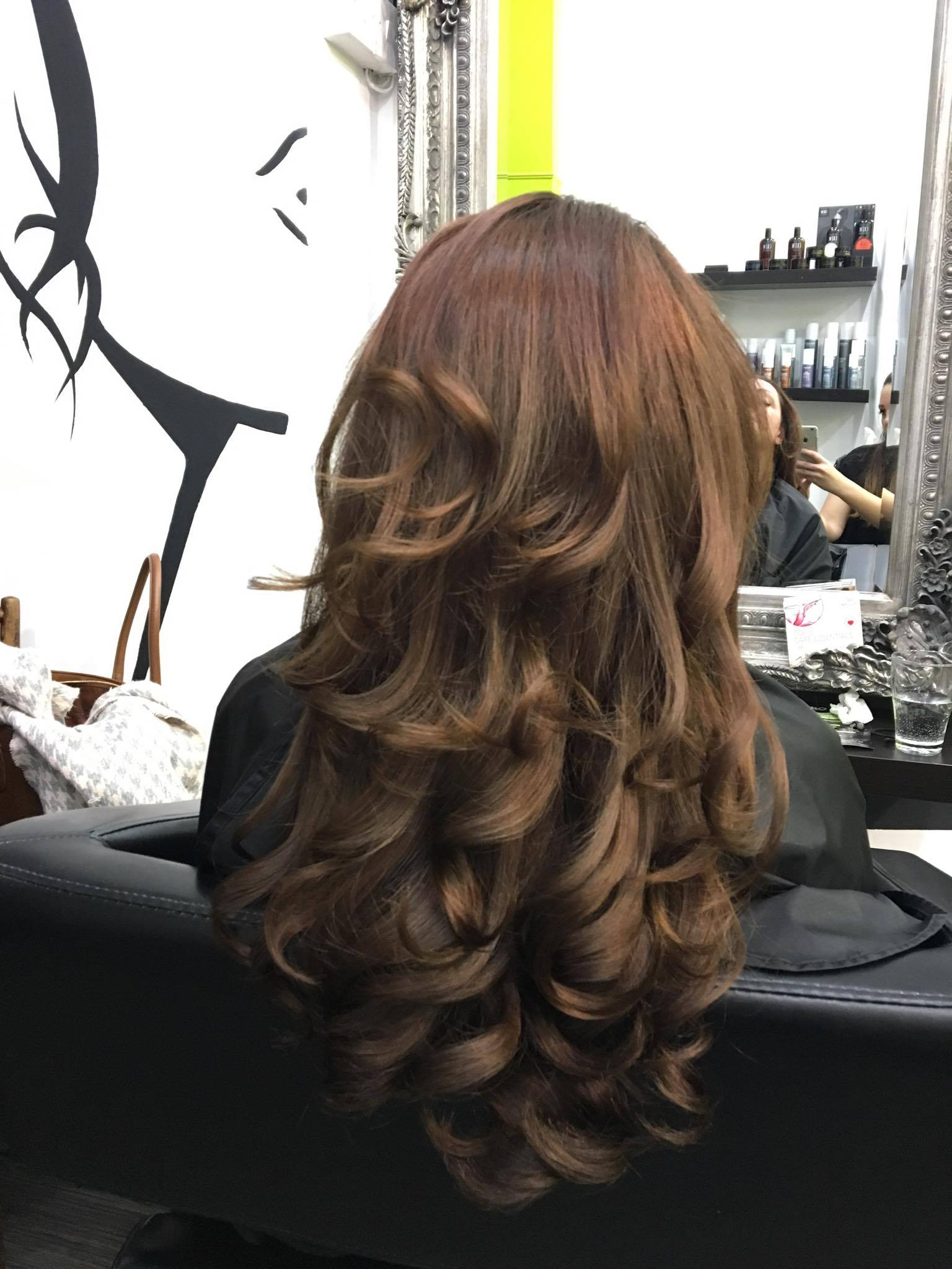 hair colouring ideas Parisian brunette
