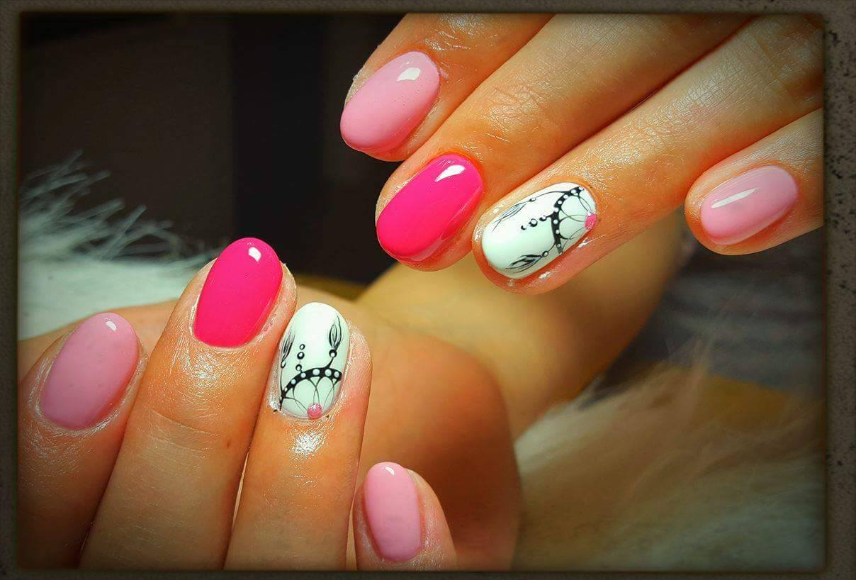 Gel Manicure With Nail Art By Dora