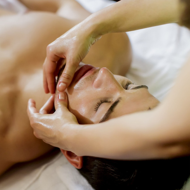 Facial massage for gents