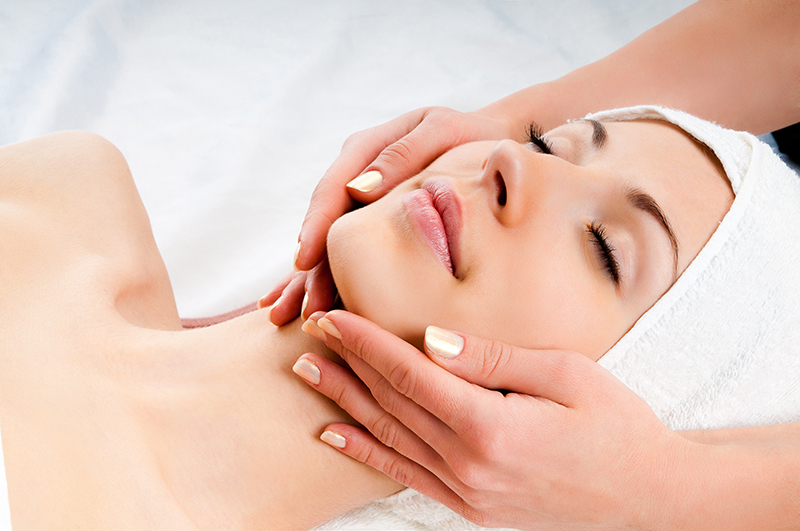 8 lesser known benefits of a facial massage