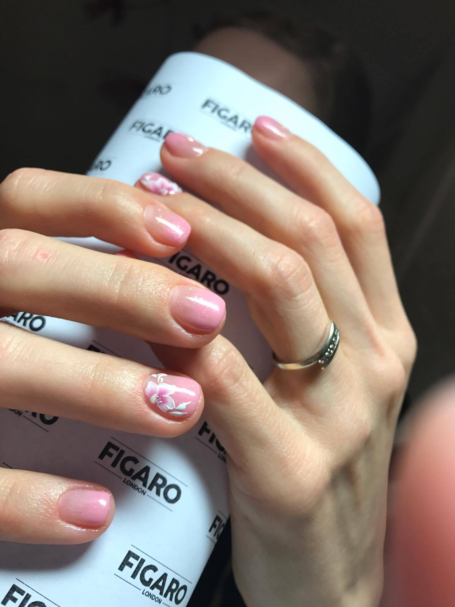 Shellac forte with nail art