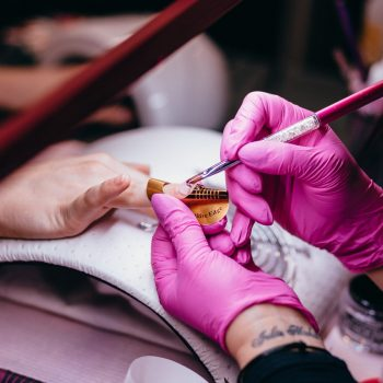 Sculptured nail extensions