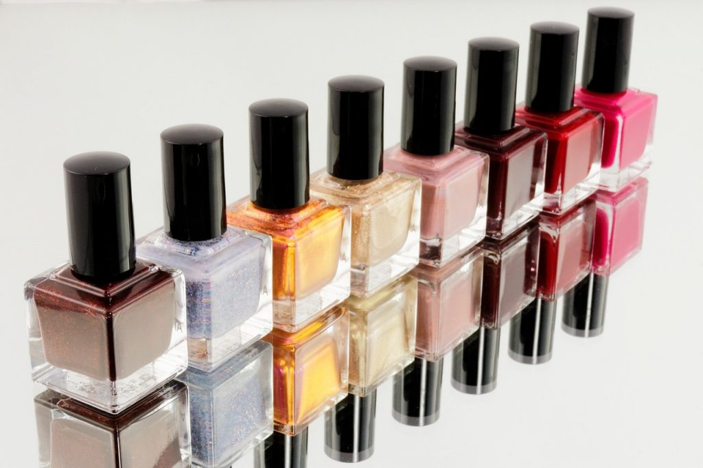 Manicure polishes
