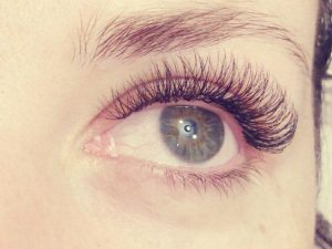 Eyelash extensions by Tinna