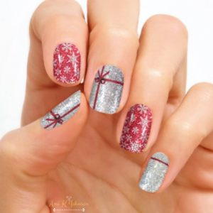 Christmas nails - Wrap it up!