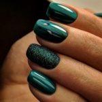 Christmas nails - The ultimate Christmas green