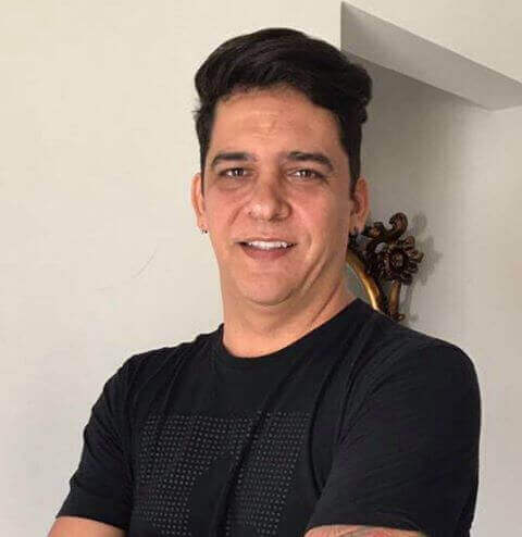Renan Make-up Aritist