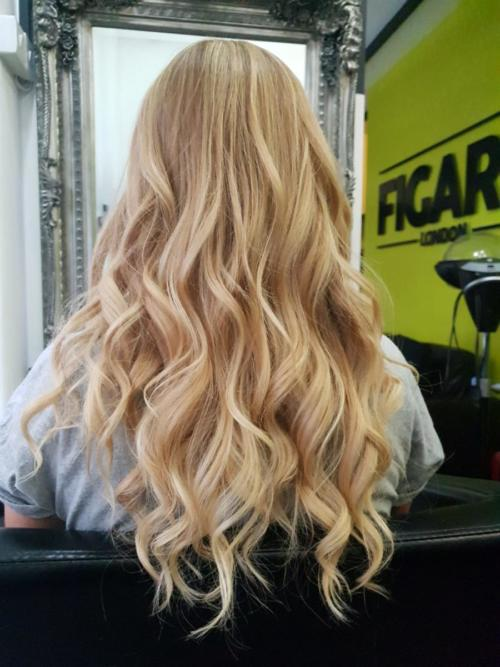 50 shades of blonde: from caramel to vanilla, golden and champagne, this is a creamy blonde infusion.